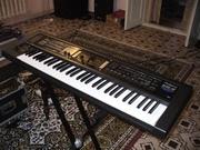 Классный синтезатор Roland GW 8